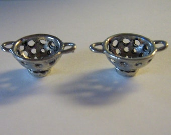 2 Silver Pewter Colander Charms (cc57)