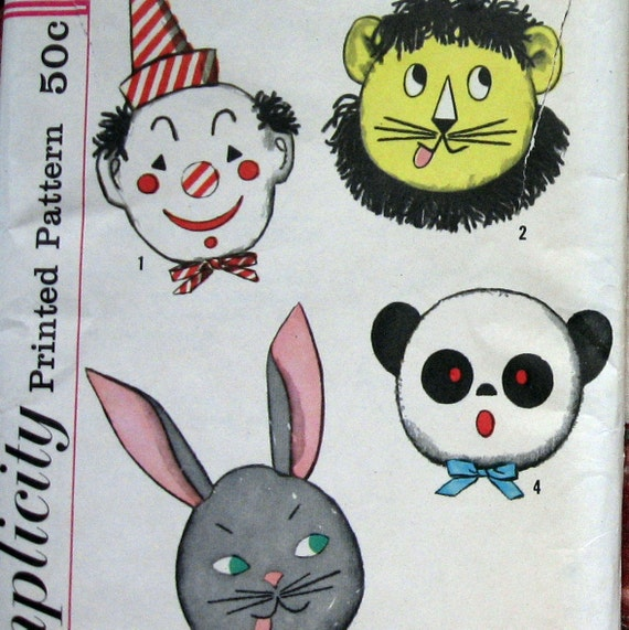 Childrens Animal Pillow Pattern 4 Animals With Iron On Transfers circa 1960s Simplicity 3700 UNCUT