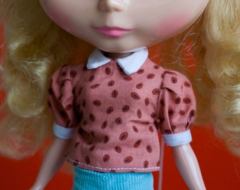 Blouse for Blythe, pink with beans