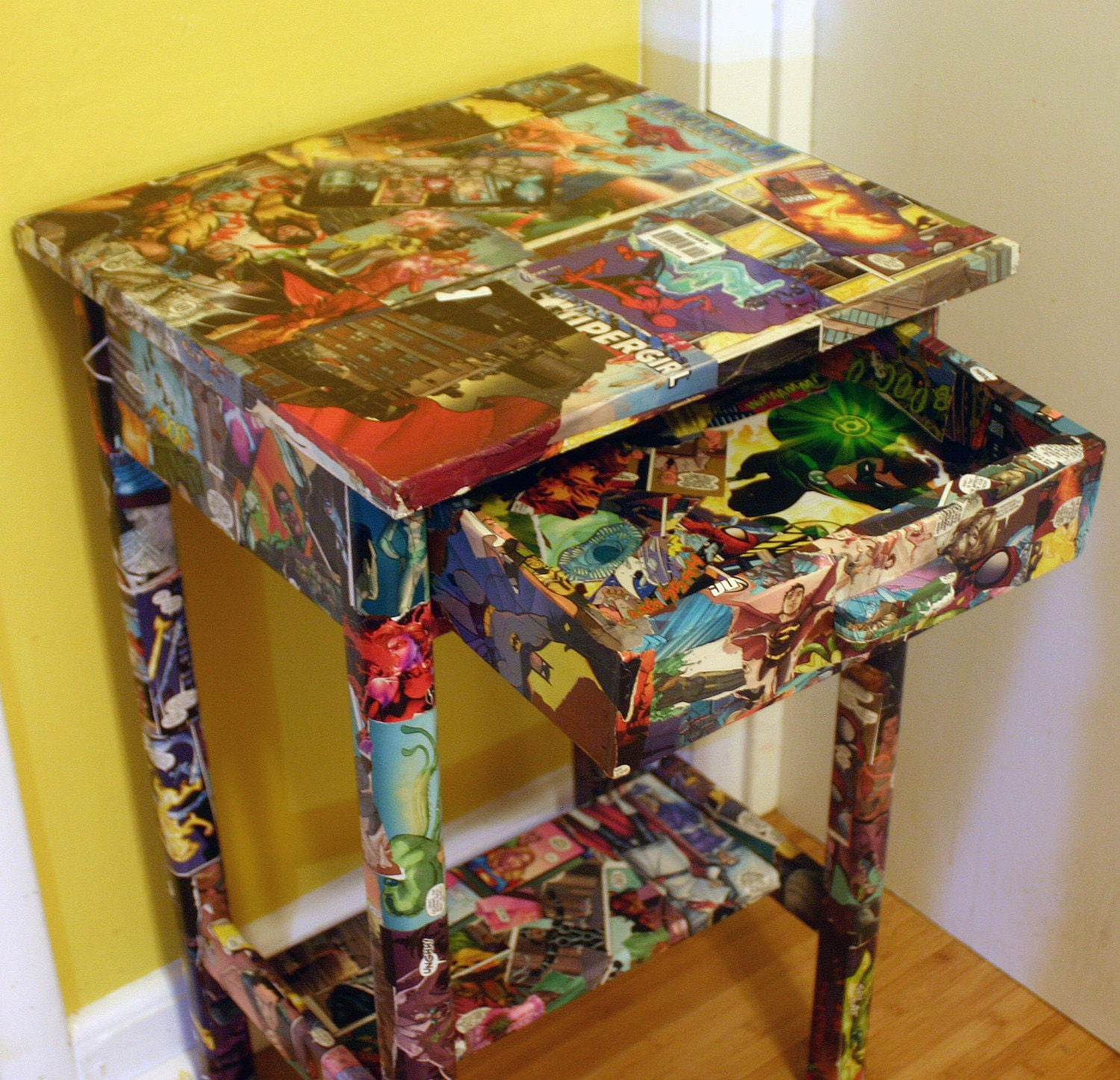 Coffee Table With Book Storage: Comic Book Side Table Marvel And DC Comics Decoupaged
