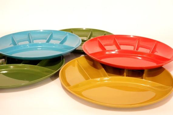 set of vintage picnic plates
