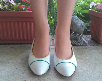 size 9 - 1970s Colorful White Rosina FERRAGAMO Schiavone vintage Leather Pumps with MOD Cut Out Wedge Heel