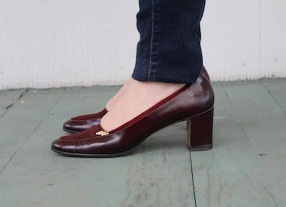 size 7.5 - Salvatore Ferragamo - Boysenberries & Wine, Leather and Suede Librarian Pumps - vintage designer high heels