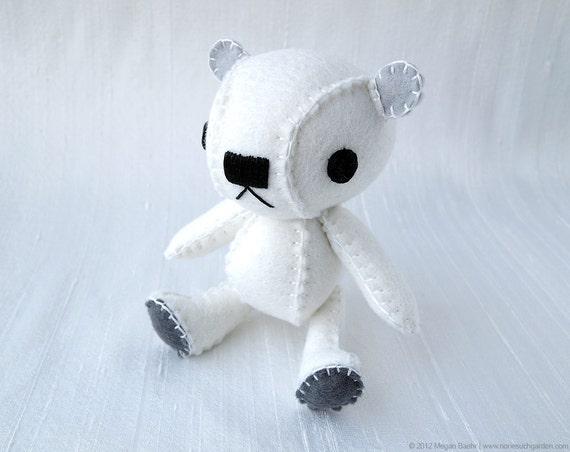 Polar Bear Plush Art Doll, Isbjorn