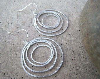 Multi Circle Silver Earrings, Concentric Circles, Round, Modern, Lightweight, Everyday Earrings, irisjewelrydesign, Fall Fashion