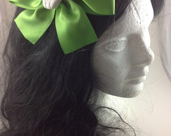 Large Lime Skull Hairbow