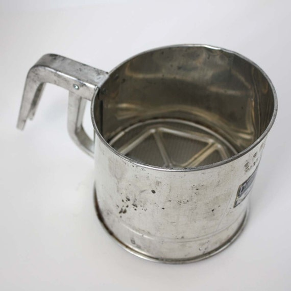 Bromco Flour Sifter 3-Cup Sifter - Vintage Kitchen Utensil - Leigh Bromwell, Michigan City - Made in USA
