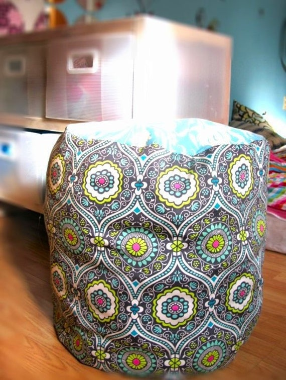 Sofs offers a pouf, ottoman in soft amy with reinforced zippers