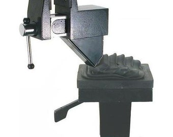 Universal Table Vise 2-1/2""