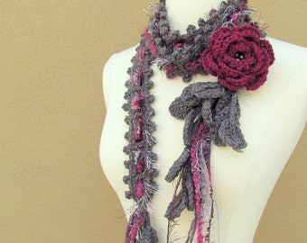 Queen Ann Rose Lariat- Wild Berry