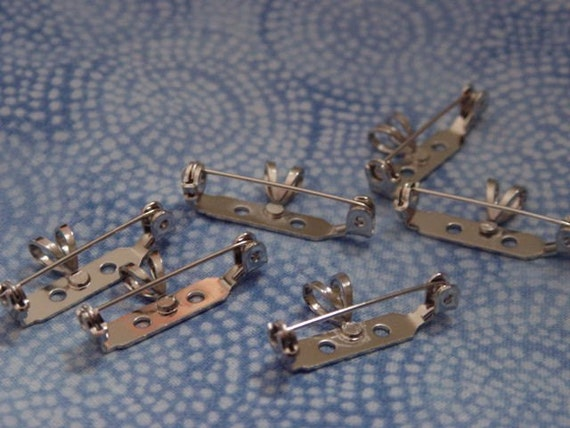 50 Bar Pins with Bail in Silver