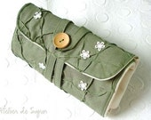 Circular Knitting Needle Case with Notion Pouch Knitting Needle Holder Organizer Circular Needle Case in Textured Green Pea