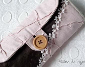 Crochet Hook Case Crochet Hook Holder Needle Case Craft Bag in Textured Pink Dark Chocolate