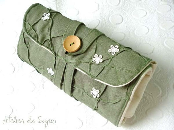 circular knitting needle case with notion pouch knitting