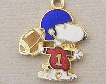 Aviva Vintage Snoopy Football Charm 0012