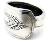 Spoon Ring Size 8 Nuart pattern Art Deco