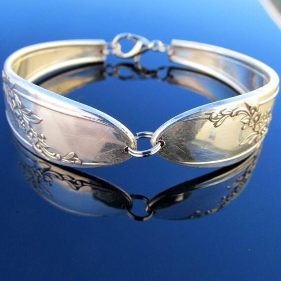 Spoon Bracelet (Small) Queen Bess Pattern