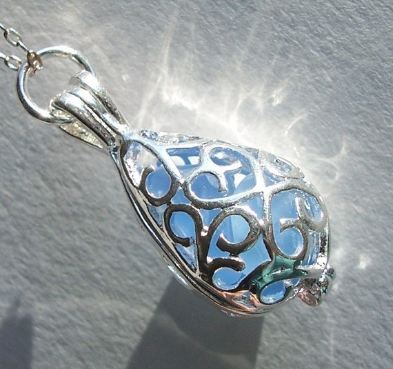 Beach Glass Jewelry, Sea Glass Necklace, Seaglass Pendant Teardrop Locket, Victorian Jewelry