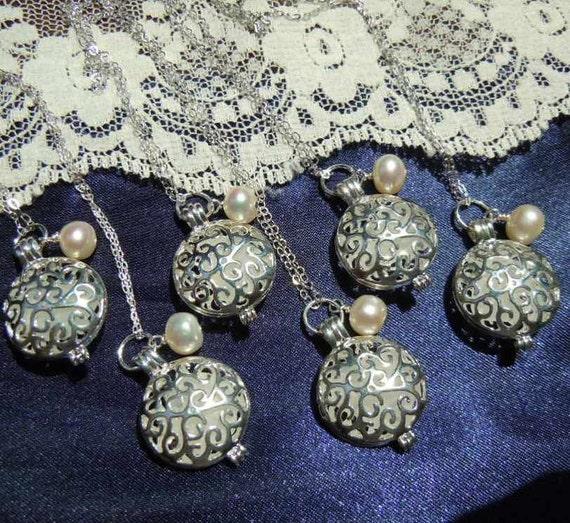 Beach Wedding Jewelry  Sea Glass Lockets - Set of 6 Beach Glass Locket Set for Bridesmaids Gifts