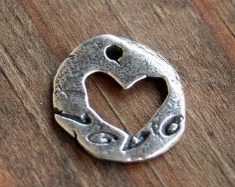 Open Heart Charm /CH24