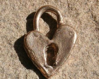 Charm Heart Artisan Bronze Lock  /CH107B