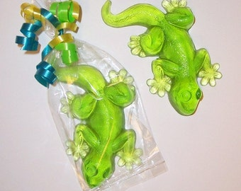 Lizard Soap Party Favors, Unscented, Set of 10