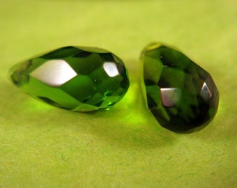 2 Peridot Crystal Teardrop Faceted Green Beads 13x7mm - 2 Pc - 1509