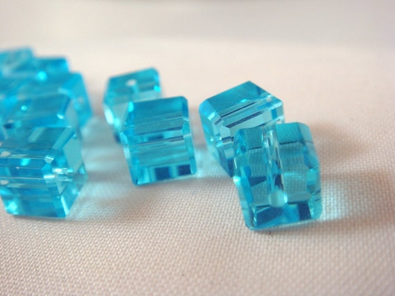 15 Blue Crystal Cube Beads Turquoise Blue Faceted 6mm - 15 Pc - 1520
