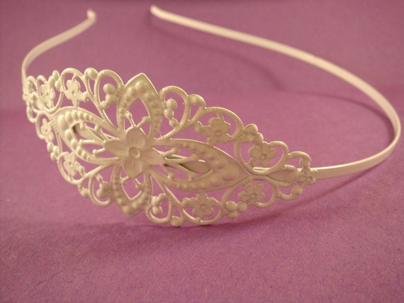 White Headband Filigree Iron Metal 78x35mm - 1 pc - 5320