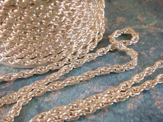 25ft Silver Pretzel Chain 3mm Plated Iron Not Soldered - 25 ft - STR9021CH-S25-M