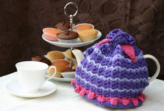 4-6 cup Purple and Pink Teapot Cosy