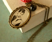 Audrey Hepburn  necklace in brass - red resin rose and black onyx