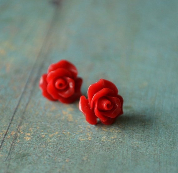 Petites Roses  with sterling silver earstuds
