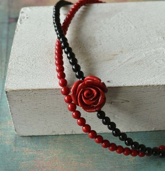 Inspired by Frida Kahlo necklace in red coral and black onyx stone