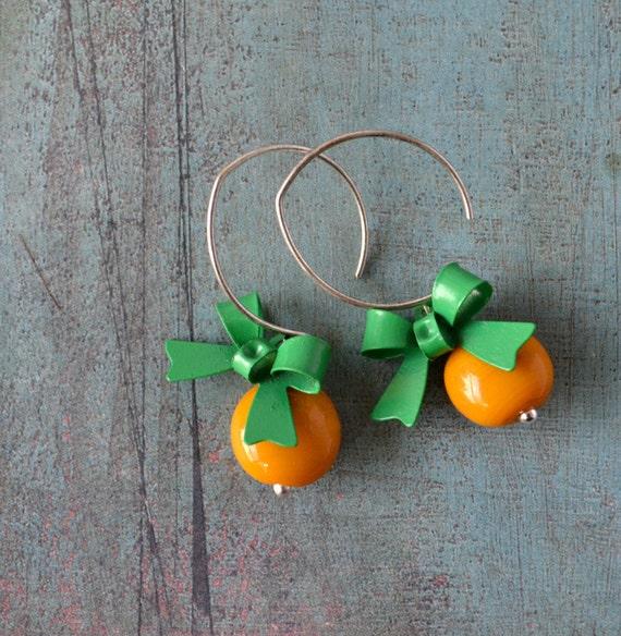 Pretty Bows  - green bows and orange-yellow glass