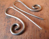 ELIZABETH IX // Black sterling silver earrings