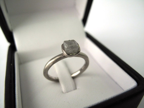 DIAMOND // 18kt White Gold Band with a raw cubic diamond - MADE to ORDER