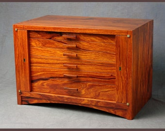 Locking Rosewood Jewelry Box