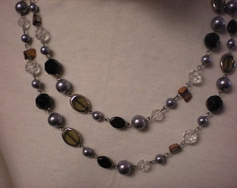 PREMIER DESIGNS black glass bead necklace .mix it up retired