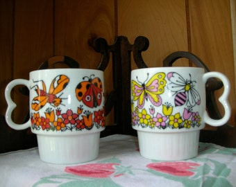 Stacking insect cups