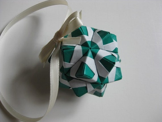 SALE 25% OFF - Origami Ornament (modular - green)