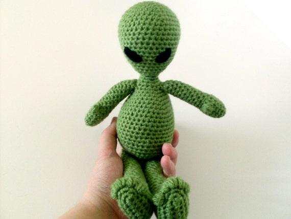 Amigurumi Long Legs : Yarn Alien Amigurumi Doll: Green Long Legged Plush Alien in