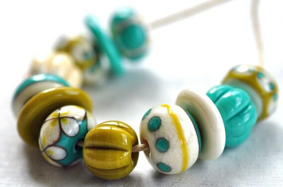 p i n o c e a n handmade lampwork beads set (12) - mix / ivory, blue, mustard -