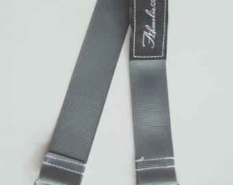 Grey Bib Stroller Nursing Clip