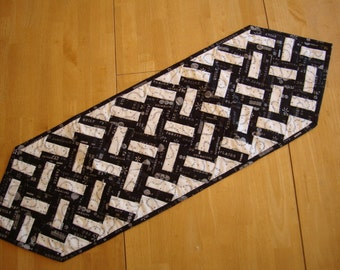 Word Play tablerunner - CLEARANCE