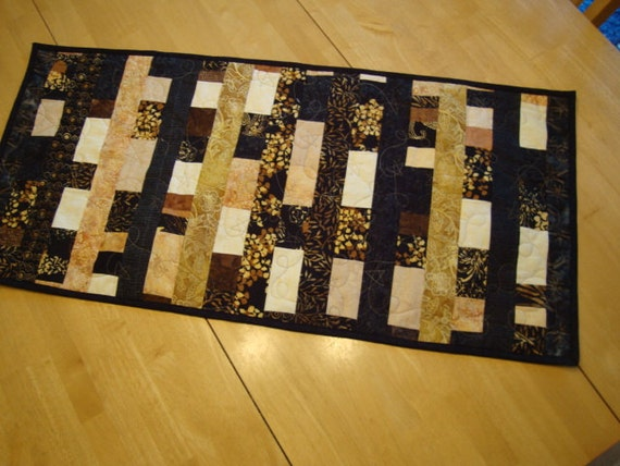 Cappuccino Tablerunner - CLEARANCE