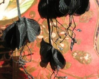 Vintage Millinery Black Silk Flower Cluster with Glitter Stamens (8 flowers)