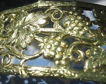 Gold Foil Dresden Grape Vine Border