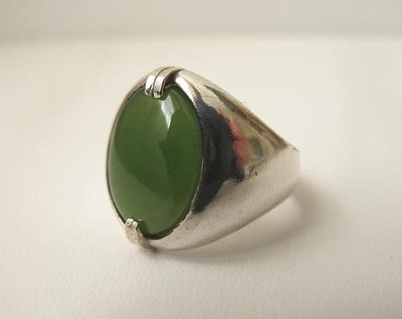 JADE SIGNET RING.  High grade Deep  Green Jade cabochon set in sterling silver. Size 9 1/4