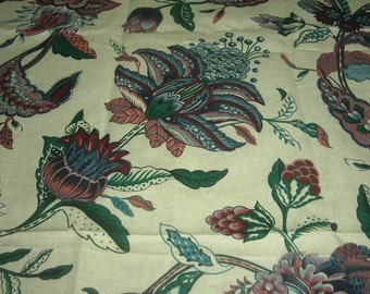 vintage 80s cotton fabric, featuring gorgeous lush floral print, 1 yard, 11 inches